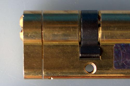 Как оформить мастерскую ключника? Необычные изделия из ключей и замков