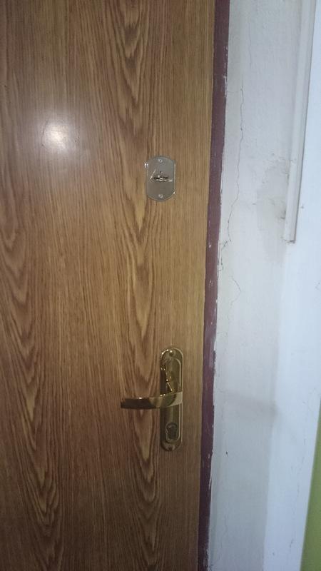 Нажмите на изображение для увеличения.  Название:Weird_Door_Locks_3.jpg Просмотров:1151 Размер:32.6 Кб ID:19676